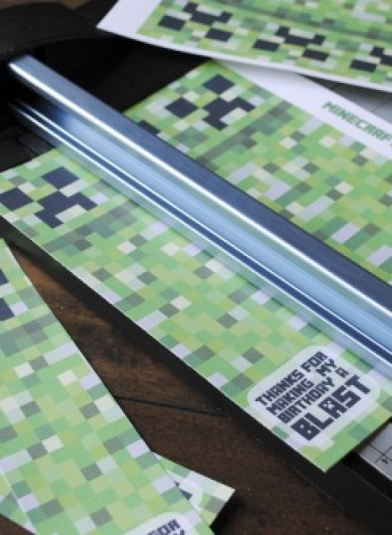 Free Printable Minecraft Birthday Bookmarks_1
